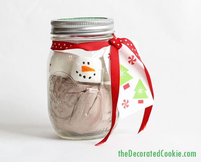 marshmallow snowman hot cocoa jars - hot chocolate handmade Christmas gift idea -mason jars