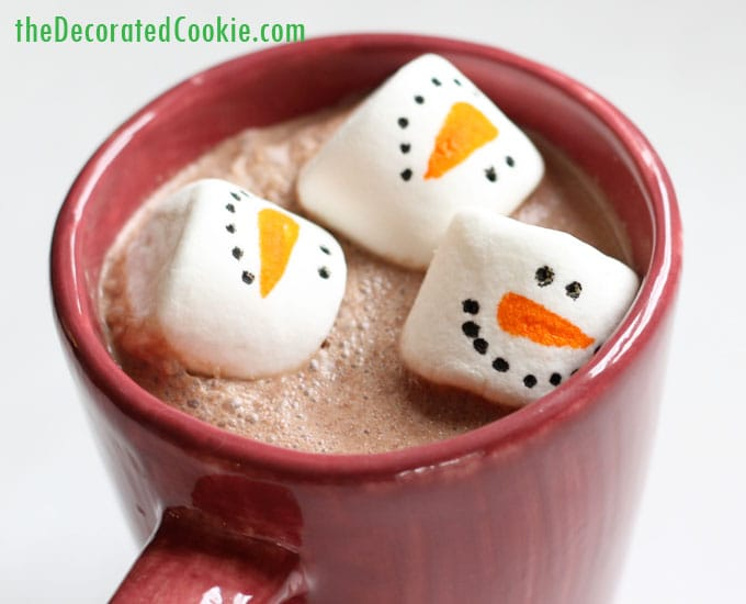 marshmallow snowman hot cocoa jars - hot chocolate handmade Christmas gift idea -mason jars