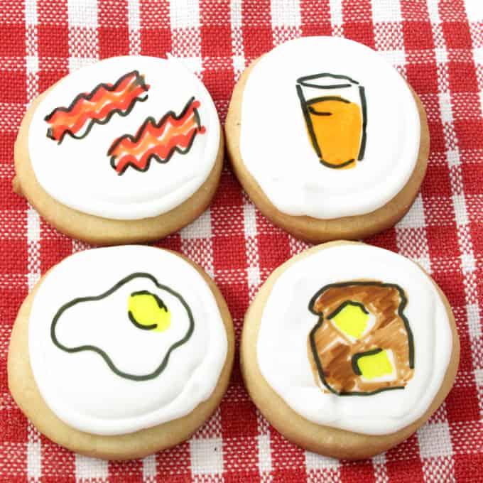 How to decorate breakfast cookies (cookies that look like breakfast), using royal icing and food coloring pens. A fun brunch treat. #BrunchDesserts #DecoratedCookies #Breakfast