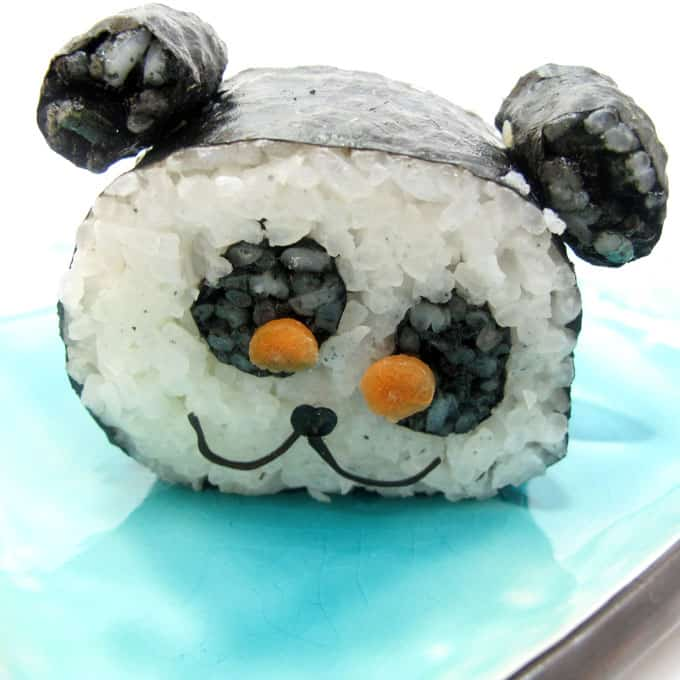 Panda sushi: How to make and roll vegetarian panda sushi. #pandabear #pandasushi #howtomakesushi #vegetarian