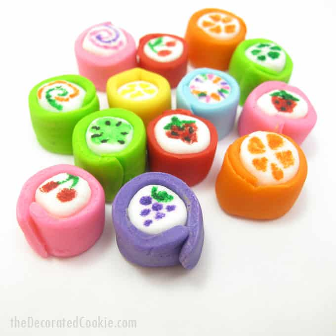 Marshmallow Japanese candy -- mini marshmallows dressed up with fondant and food coloring pens to look like Japanese candy. #JapaneseCandy #marshmallows #fondant