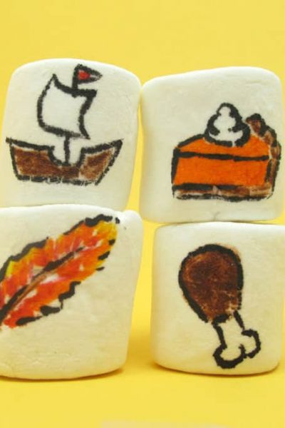 Thanksgiving marshmallows -- fun food craft for kids on Thanksgiving day with marshmallows and food writers. Great Thanksgiving party favor, too. #thanksgiving #marshmallows #kidsactivity