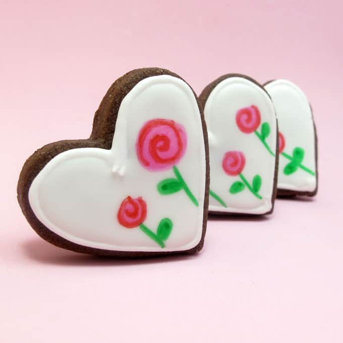 How to draw mod rose marshmallows and cookies for Valentine's Day with food writers.