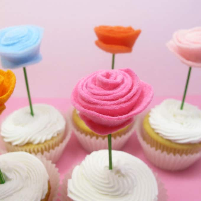 How to make simple felt flower cupcake toppers for spring. Use the felt flowers for crafts, too.