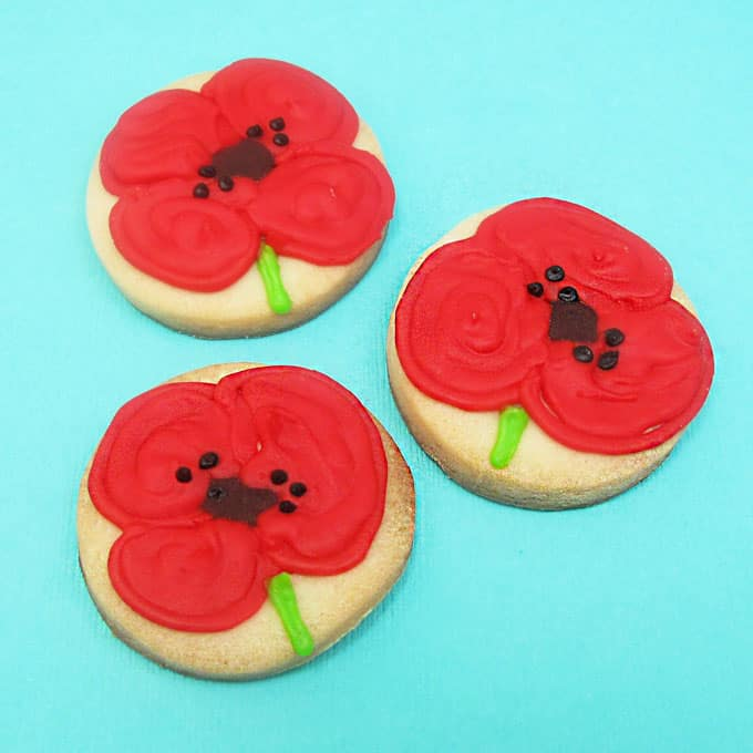 how to decorate wildflower cookies -- #wildflowers #cookiedecorating #poppies