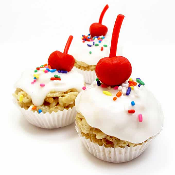 """How to make cute, mini, frosted Rice Krispie Treat """"cupcakes"""" with a fondant cherry on top.  the decorated cookie"""