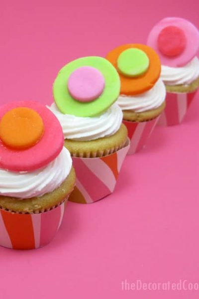 FREE printable for mini cupcake wrapper template -- the decorated cookie