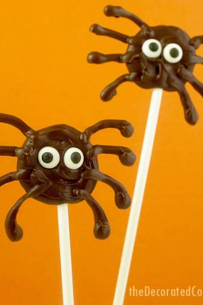 chocolate spiders on a stick for Halloween -- quick and easy chocolate spiders on a stick for a Halloween treat idea -- fun Halloween classroom treat