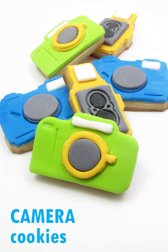 CAMERA COOKIES -- how to decorate camera cookies with fondant