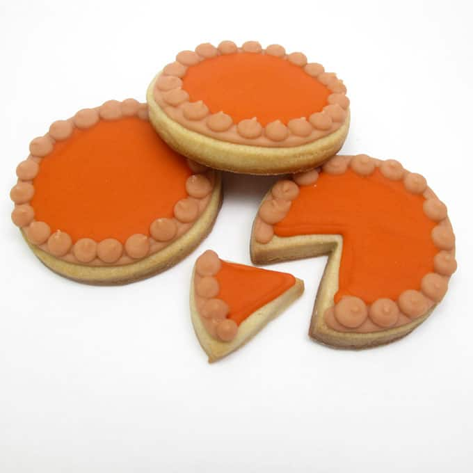 Pumpkin pie cookies: Thanksgiving cookie decorating idea