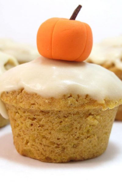 pumpkin cupcakes - the decorated cookie
