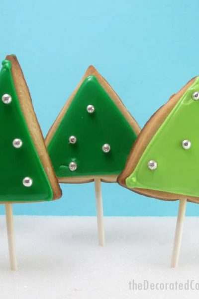This simple forest ofChristmas tree cookies gives decorated Christmas cookies a mod, retro feel.Step-by-step cookie decorating instructions.