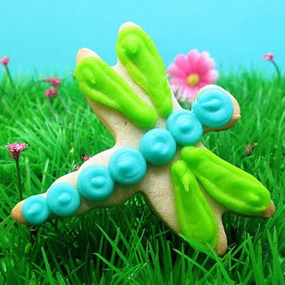 bug cookies for Spring -dragonfly