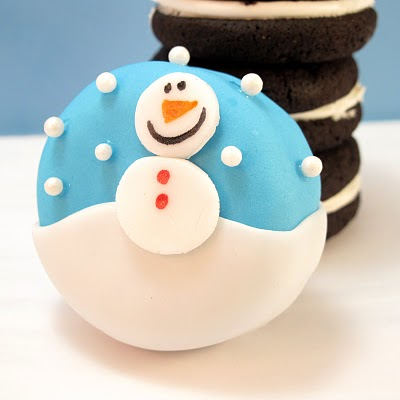 Oreo Cakester winter snowman petits fours