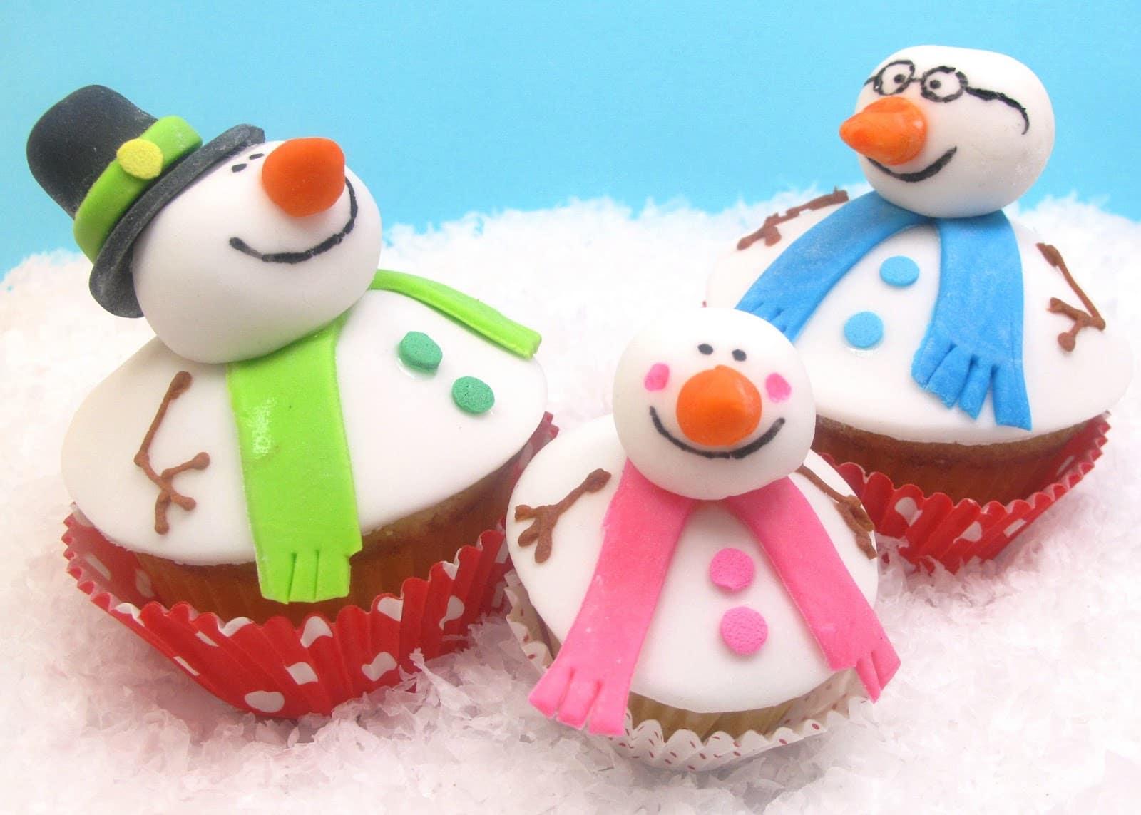 snowman cupcake Christmas card -- family holiday card ideas