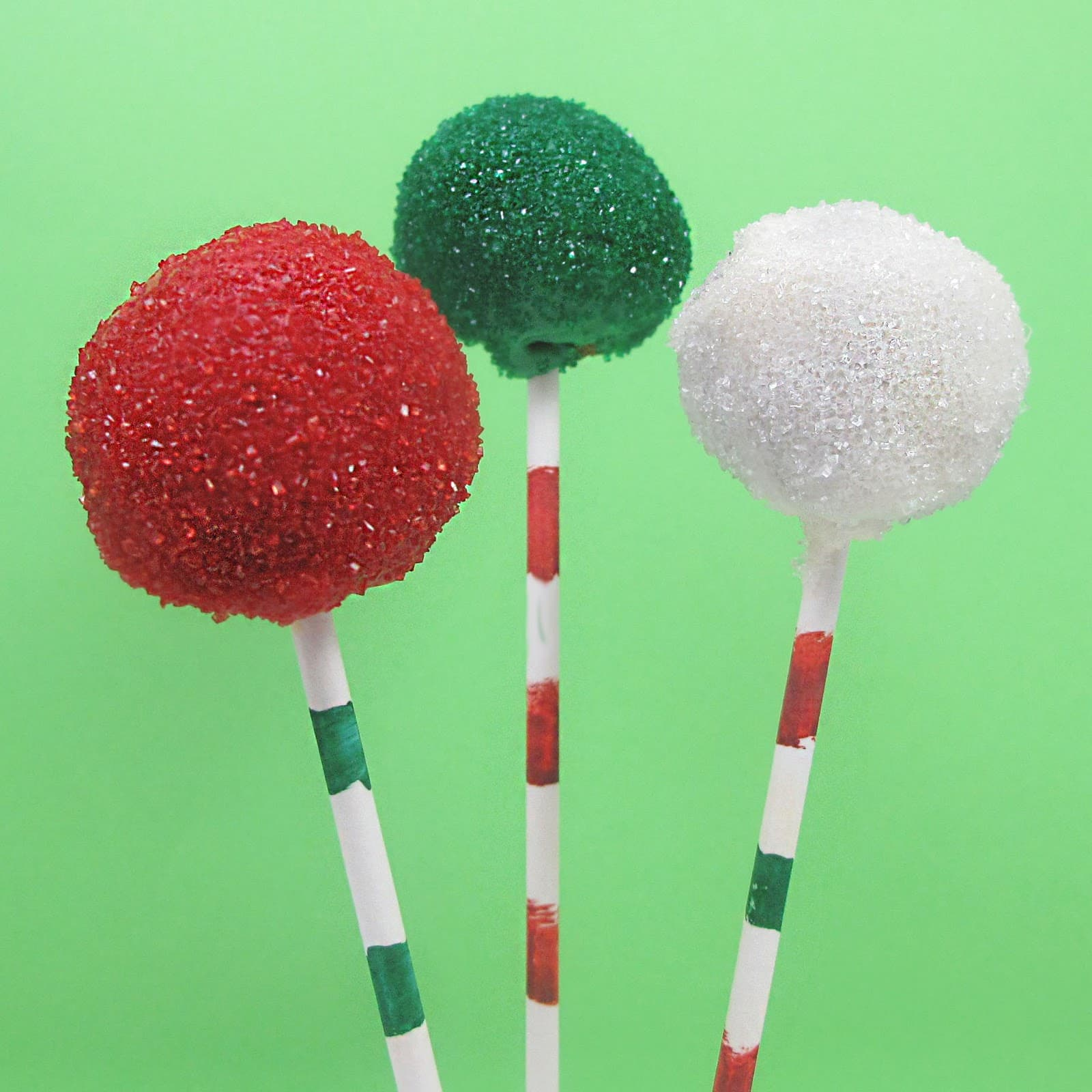 easy Christmas cake pops from the decorated cookie