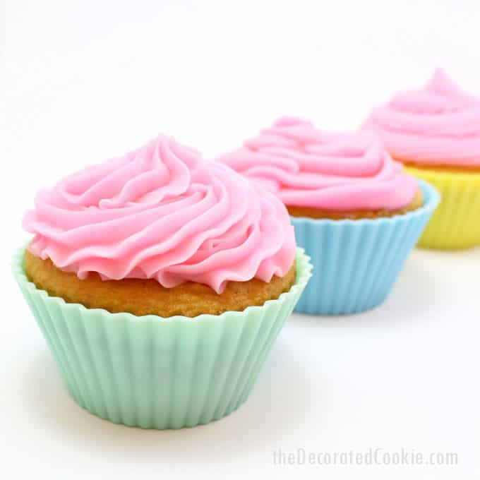 cupcake decorating: how to use tips to pipe frosting on cupcakes