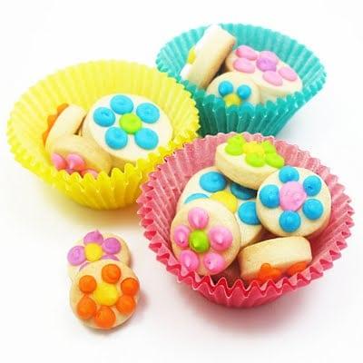 polka dot daisy cookie bites