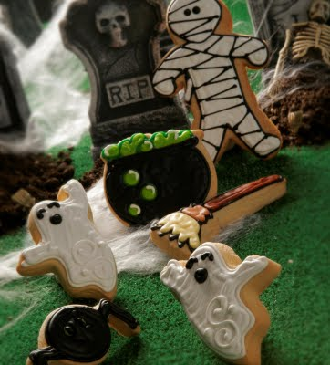 Halloween cookie graveyard