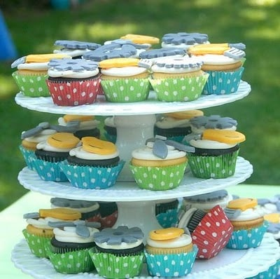 fans, lights and gears machine cupcakes
