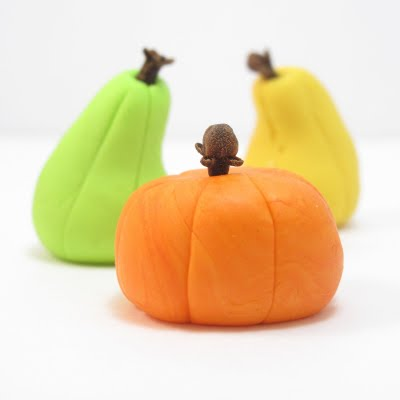 fondant pumpkin and gourd cupcake toppers