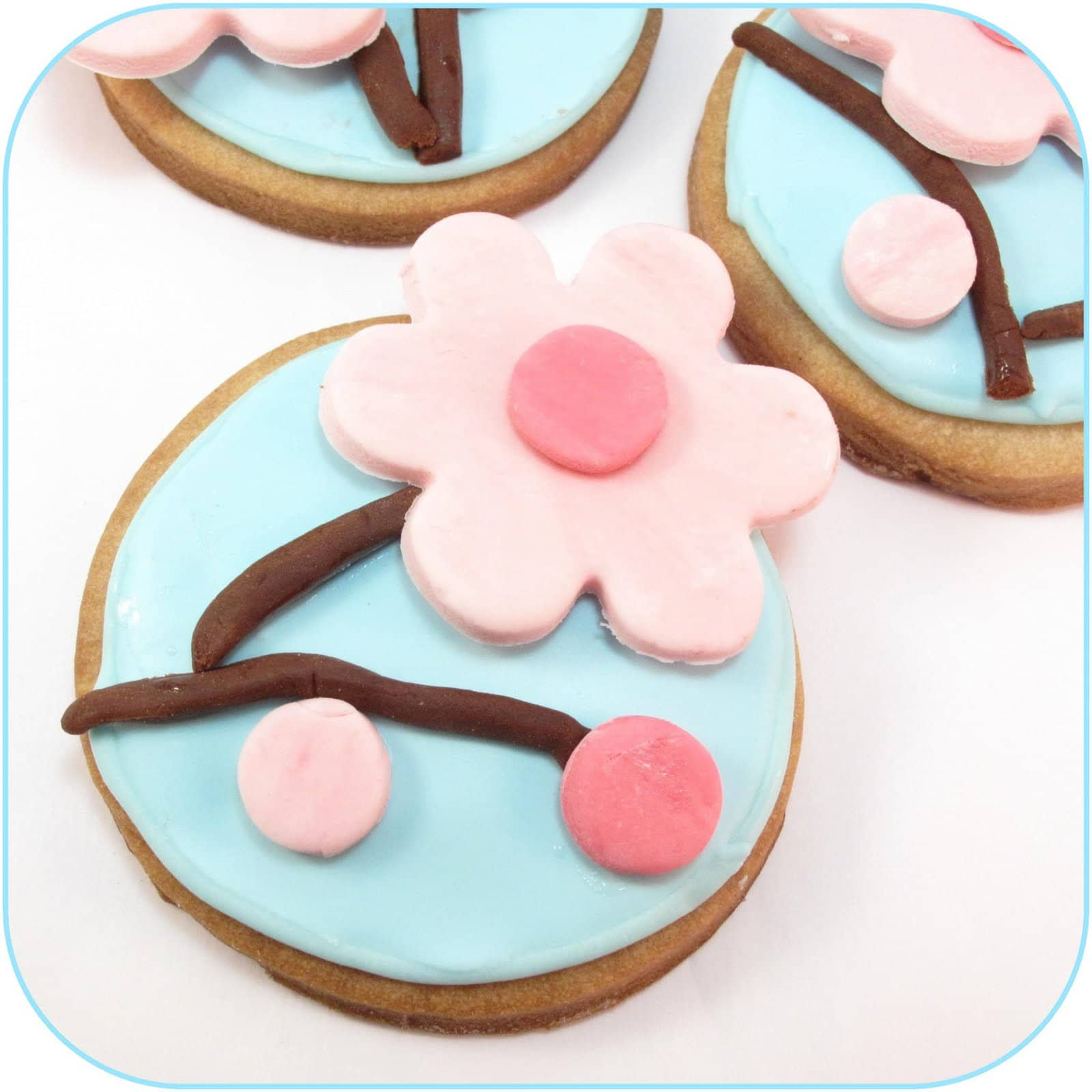 Decorated Round Cookies Bake Cookies Using The Round
