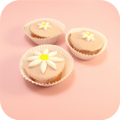 pink daisy petit fours