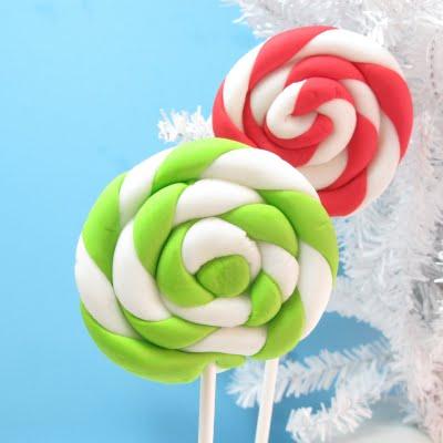 swirly fondant lollipops for Christmas
