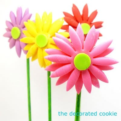 fondant flower cookie pops