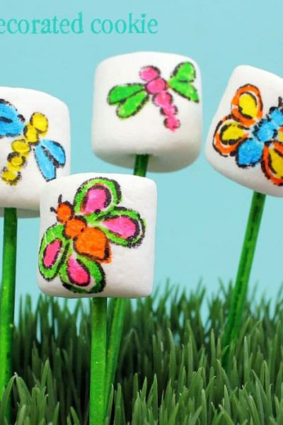 bug marshmallow pops