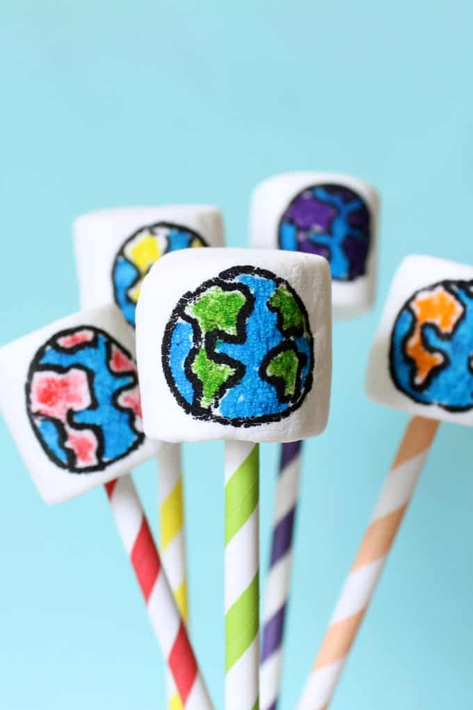 How to make rainbow Earth Day marshmallows with food coloring pens.