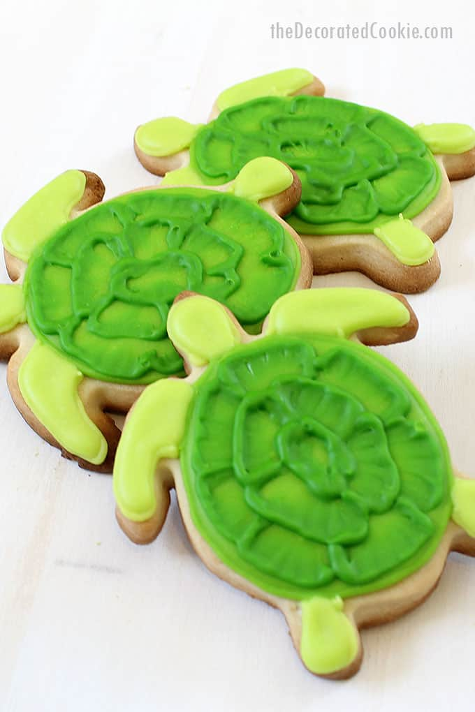 turtle decorated cookies