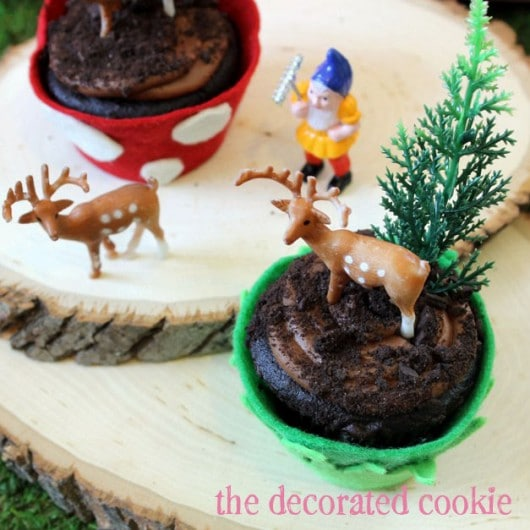 Sew Can Do: Felt Woodland Cupcake Wrappers Tutorial by the ...