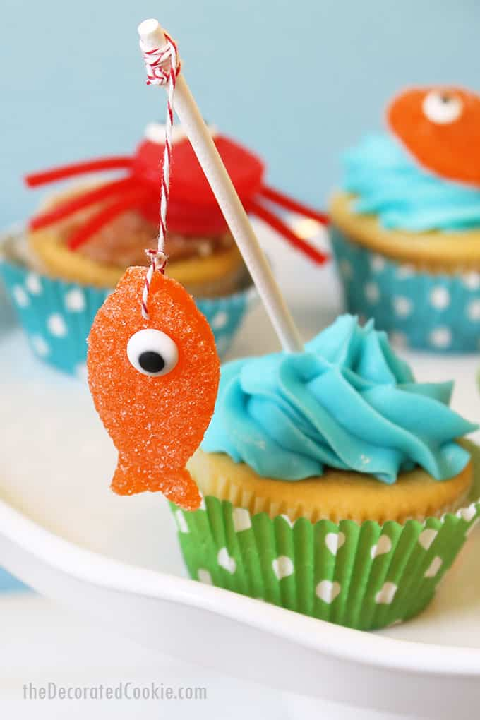 summer cupcakes with gumdrop fish and crabs