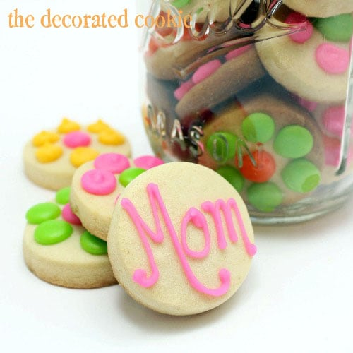 flower Mother's Day cookies in a jar