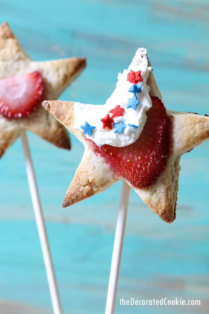 star shaped strawberry shortcake pops for the 4th of July and summer desssert