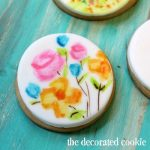 painting watercolor cookies