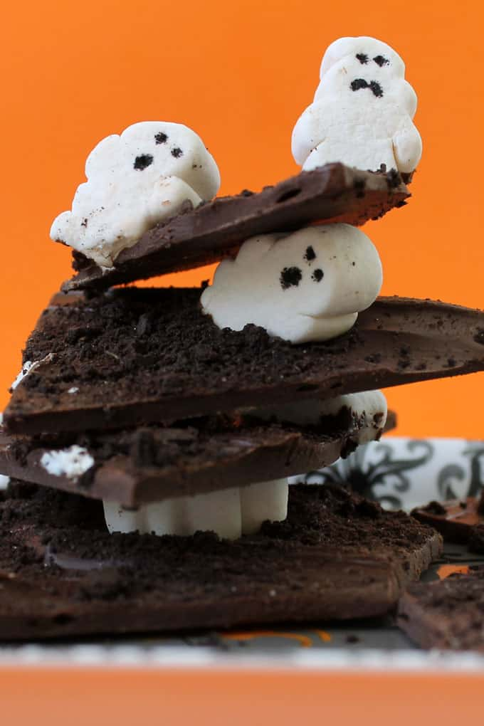 Halloween chocolate bark with marshmallow ghosts.