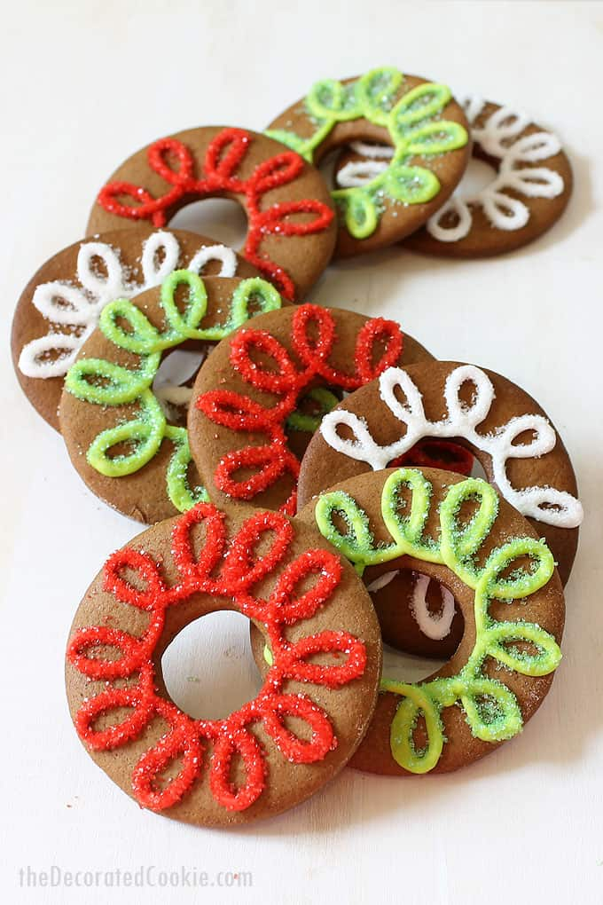 GINGERBREAD COOKIE RINGS -- Delicious gingerbread cut-out cookies recipe decorated with royal icing. #gingerbreadcookies #Christmascookies #royalicing