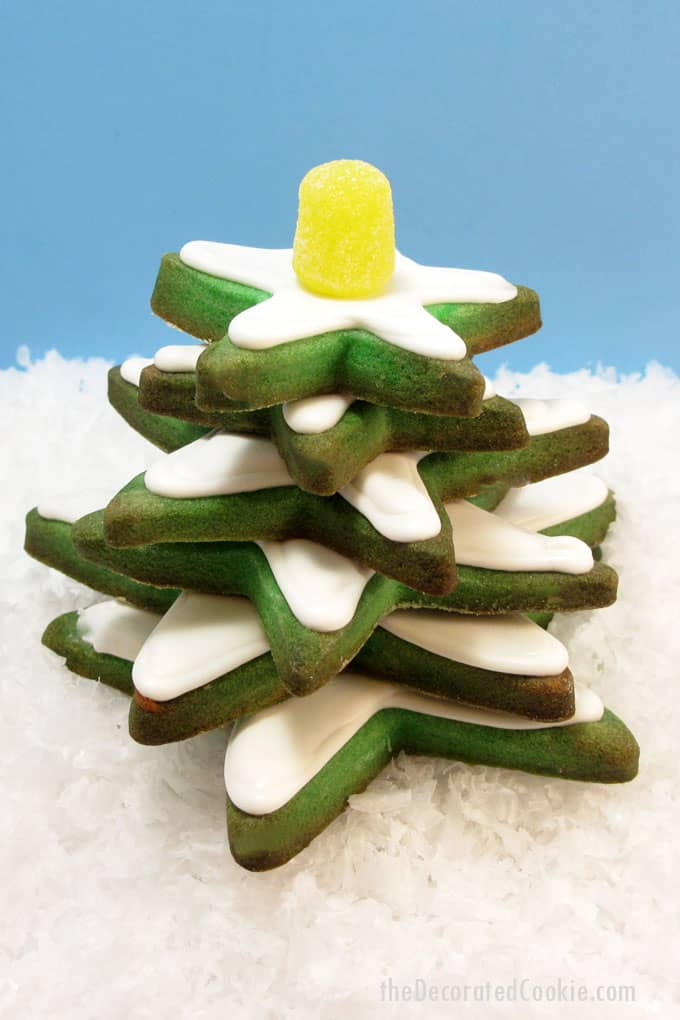 EASY stacked Christmas tree cookies from green star cookies and royal icing.