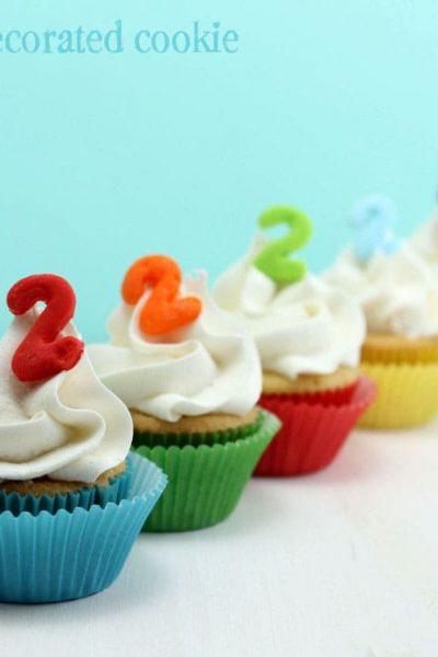 mini rainbow cupcakes for a rainbow birthday party