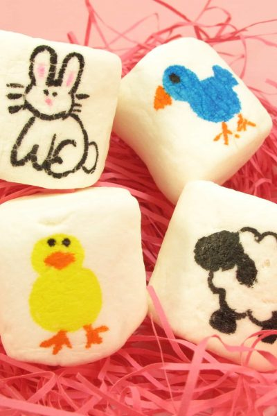 Easter marshmallow art - the decorated cookie