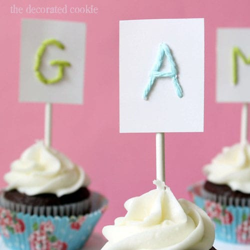 wm.monogram.cupcaketoppers3