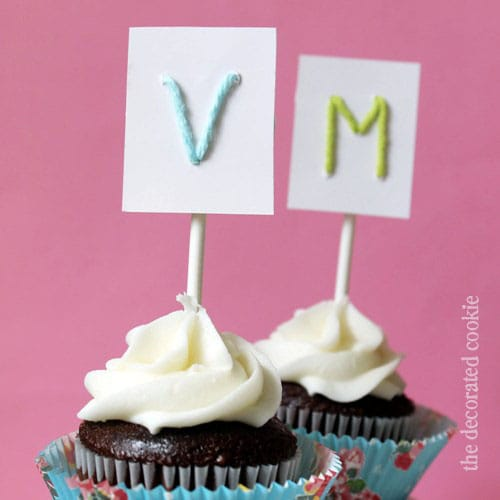 yarn monogram cupcake toppers