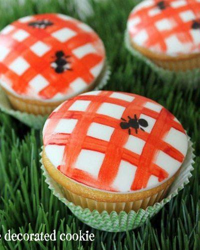 picnic cupcakes