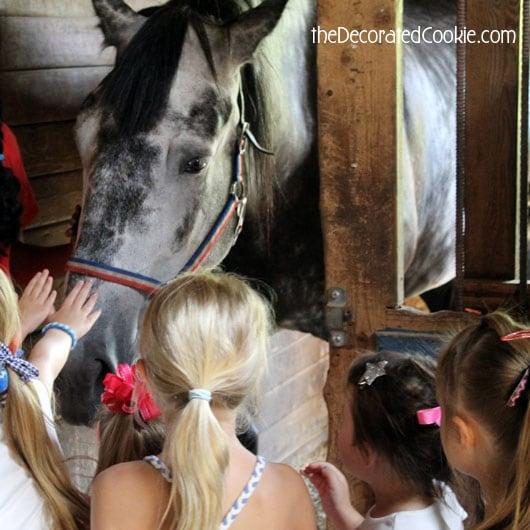 blog_horseparty1