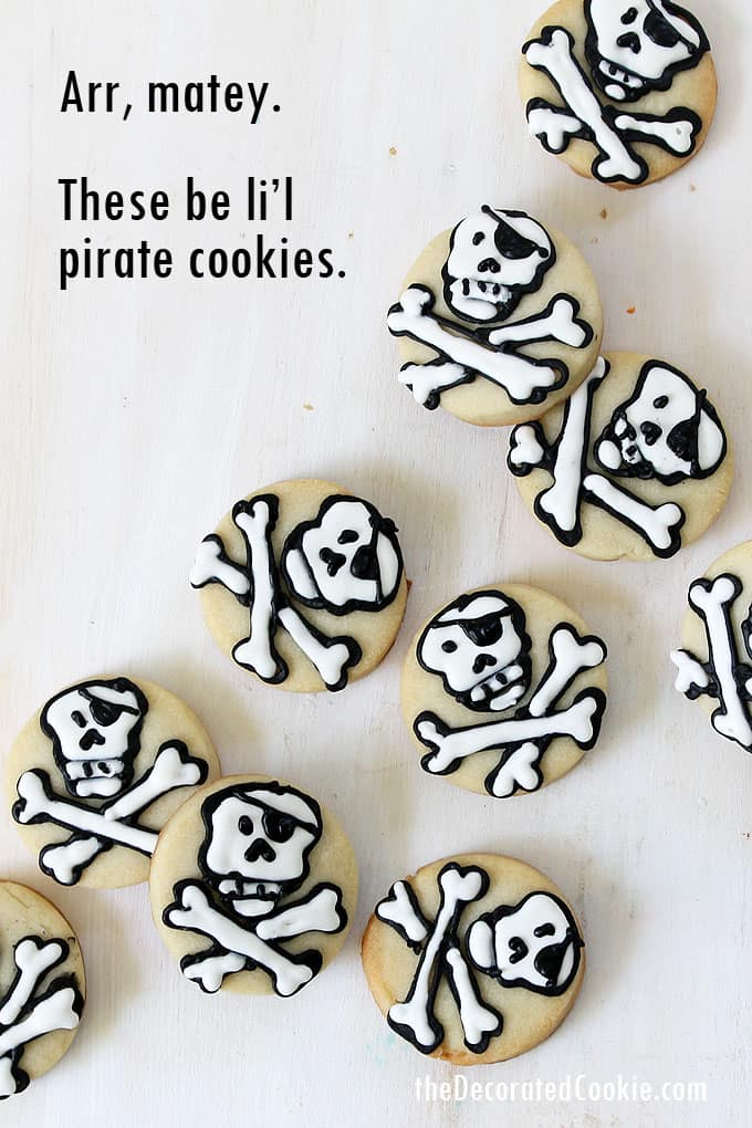 MINI PIRATE COOKIES --- Perfect treat or party favor for a pirate party. How to decorate bite-size, skull and crossbones pirate cookies.