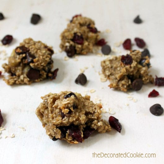 two-ingredient, healthy cookie pops - banana oat cookie pops
