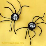Oreo Cakester spiders for Halloween