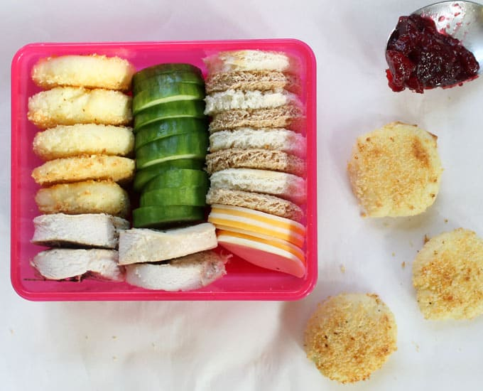 THANKSGIVING LEFTOVERS for lunch-- kid-friendly lunch box recipes -- Make turkey sandwich sushi, turkey hand pies, mashed potato coins, and homemade lunchables.